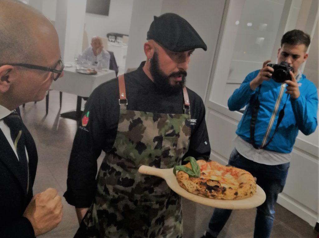 """""""Pizz'art: perché ogni pizza… """" … attira l'attenzione"""
